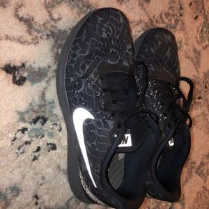 Nike running women's shoes size 6